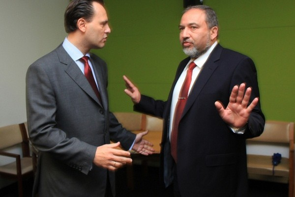 Flickr / Υπουργείο Εξωτερικών. Avigdor Lieberman with his Greek counterpart, Dimitris Droutsas